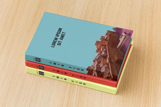 Arreglo de portada de libro sobre fondo de madera PSD gratuito