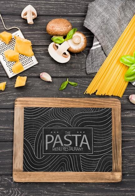 Assortiment champignons en pasta Gratis Psd