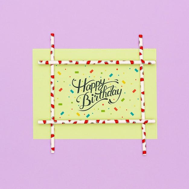 Auguri di buon compleanno con mock-up Psd Gratuite