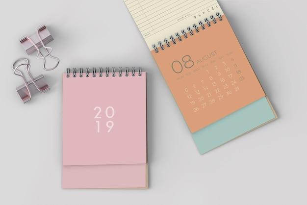 Bespotten van hand getrokken kalender Gratis Psd