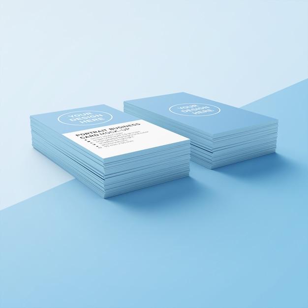 Bewerkbare dubbele stapel 90 x 50 mm realistische premium portret visitekaartje mock ups ontwerpsjabloon in lagere perspectief weergave Premium Psd