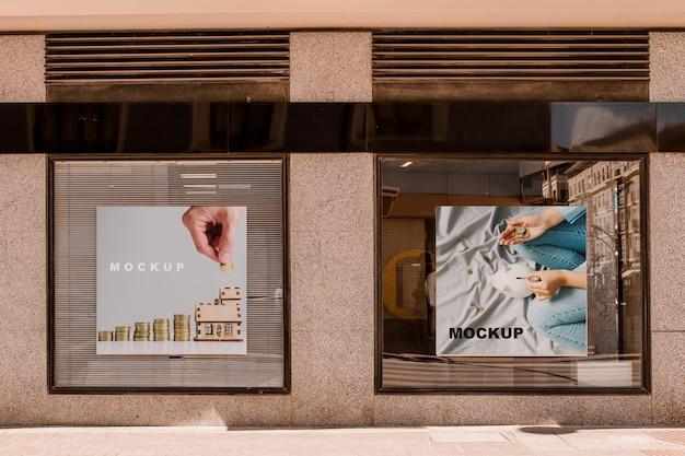 Billboard mockup in twee vensters Gratis Psd