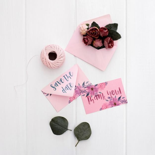 Bloemen bruiloft stationaire uitnodiging mockup aquarel Gratis Psd