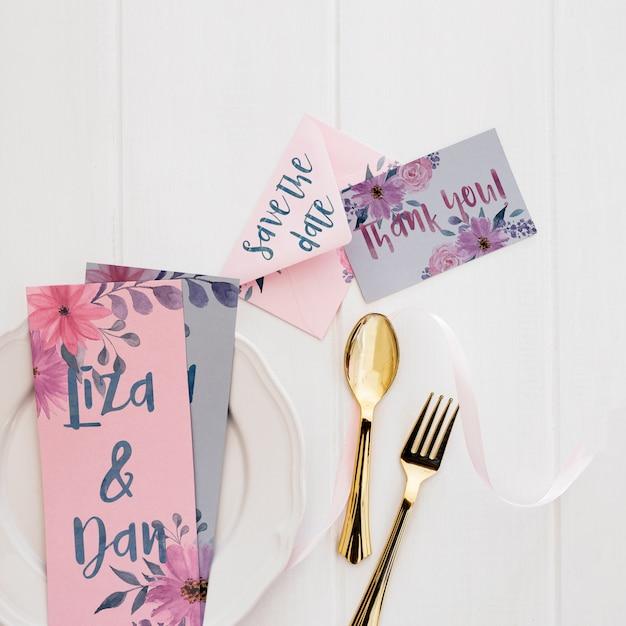 Bloemen bruiloft uitnodiging mockup aquarel Gratis Psd