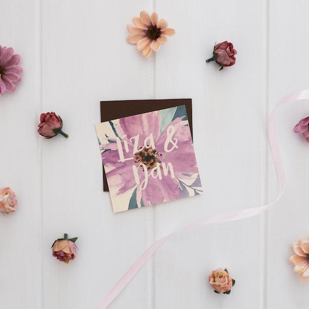 Bloemenhuwelijksuitnodiging vierkante mockupwaterverf Gratis Psd