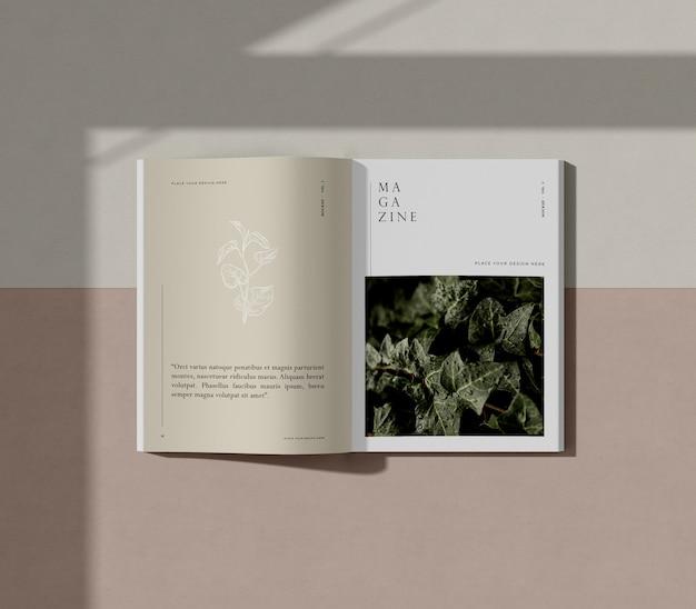 Boek met natuur redactionele tijdschrift mock-up Gratis Psd