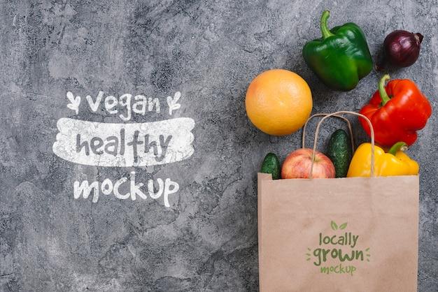 Boodschappentas met paprika vegan food mock-up Gratis Psd