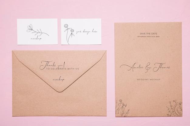 Bovenaanzicht bruiloft uitnodiging mock-up Gratis Psd