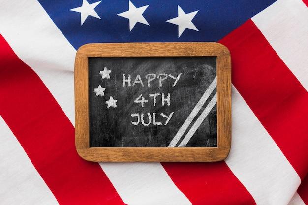 Bovenaanzicht gelukkig 4 juli met mock-up Gratis Psd
