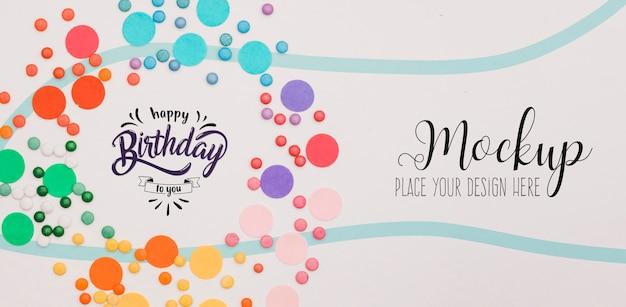 Bovenaanzicht gelukkige verjaardag concept met mock-up Premium Psd