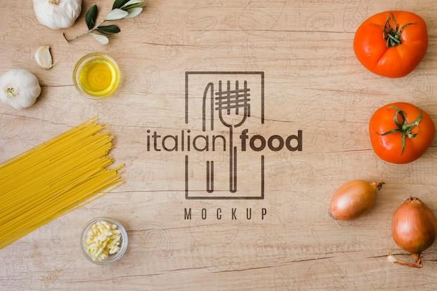 Bovenaanzicht ingrediënten voor italiaans eten Gratis Psd