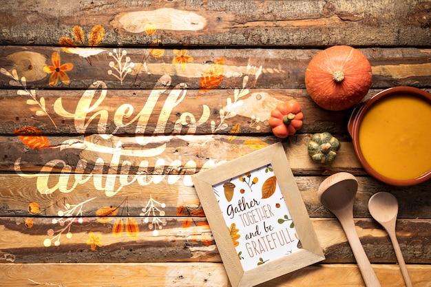 Bovenaanzicht keukengerei en smaakvolle herfst eten Gratis Psd