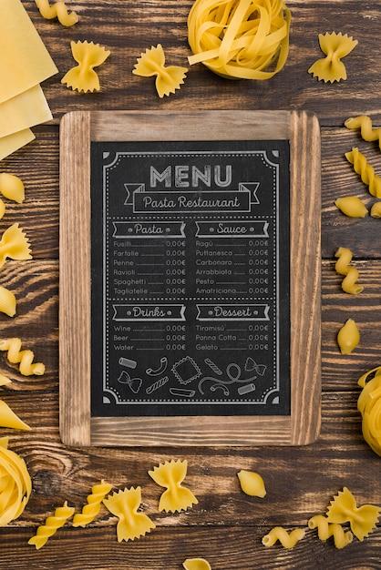 Bovenaanzicht menu en pasta-assortiment Gratis Psd
