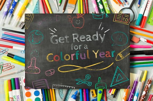 Bovenaanzicht schoolbord voor school begin evenement Gratis Psd