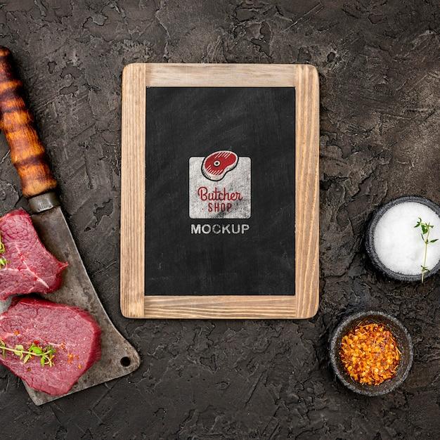 Bovenaanzicht slagerij met rauw vlees Premium Psd