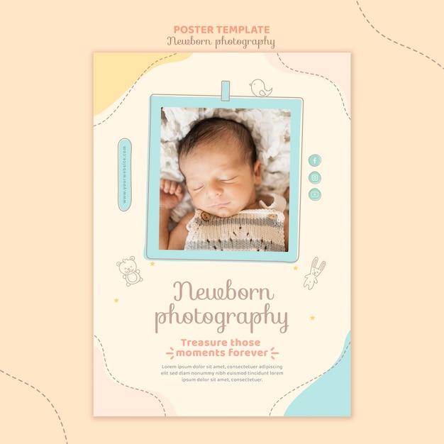 Bovenaanzicht slaperig pasgeboren poster sjabloon Premium Psd