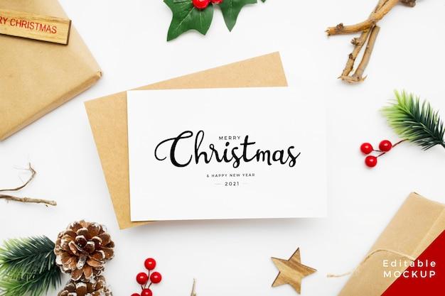 Bovenaanzicht van kerstsamenstelling met geschenkdoos Gratis Psd