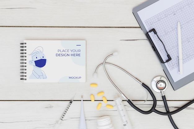Bovenaanzicht van medisch concept mock-up Gratis Psd