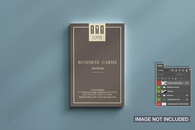 Bovenaanzicht van mockup voor visitekaartjesstapels Gratis Psd