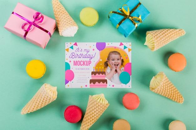 Bovenaanzicht verjaardag concept met geschenken Gratis Psd