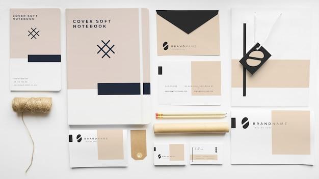 Briefpapiermodel van dekking Gratis Psd