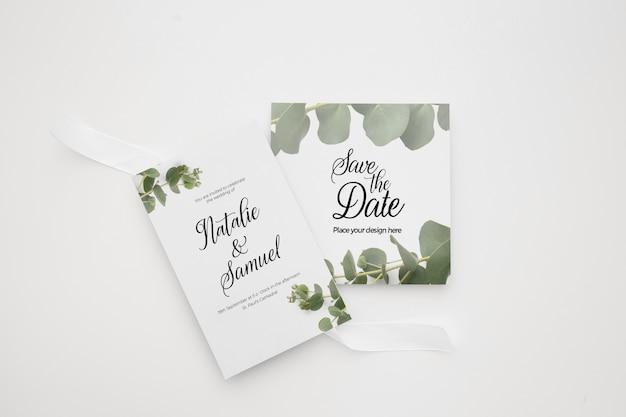 Bruiloft uitnodiging kaartsjabloon ingesteld met groene florale decoratie Gratis Psd