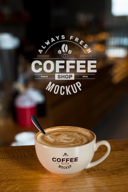Café en maqueta de tienda PSD gratuito