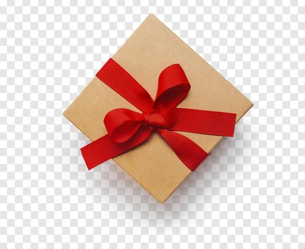 Caja de regalo de artesanía aislada con cinta roja. vista superior PSD Premium