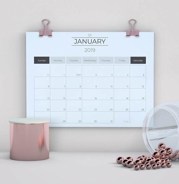 Calendario su sfondo bianco Psd Gratuite