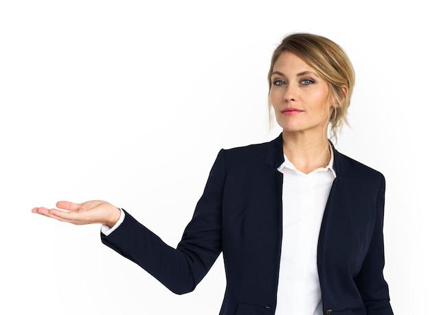 Caucásica mujer de negocios desgaste mostrando PSD Premium