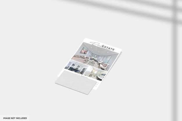 Close-up op flyer of brochure voor mockup voor onroerend goed Premium Psd