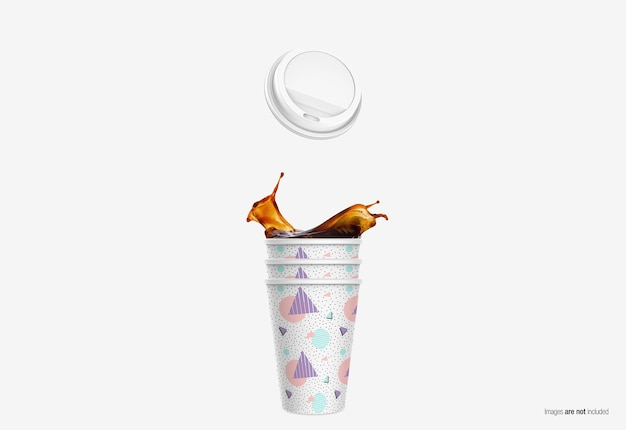 Coffee paper cup mockup in 3d-rendering geïsoleerd Premium Psd
