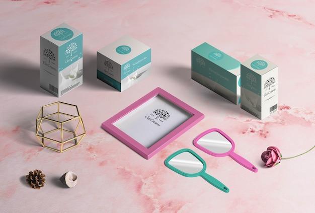 Collectie van modeproducten, kartonnen dozen voor verpakking, lijst, spiegels, decoratie Gratis Psd