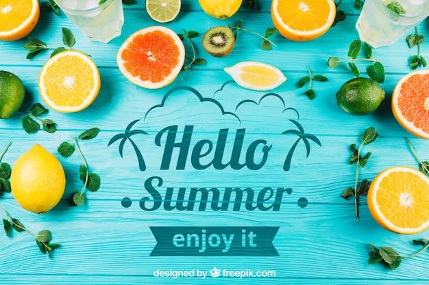 Composición de verano con frutas y copyspace PSD gratuito