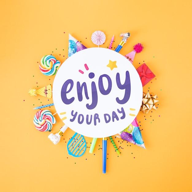 Concepto colorido feliz cumpleaños PSD gratuito