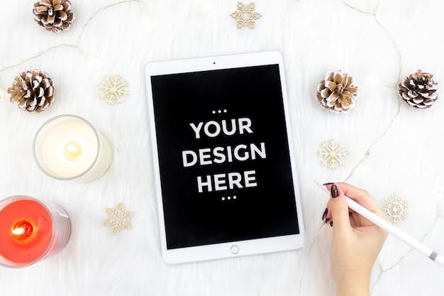 Concetto di moda vista dall'alto con tablet mockup Psd Premium