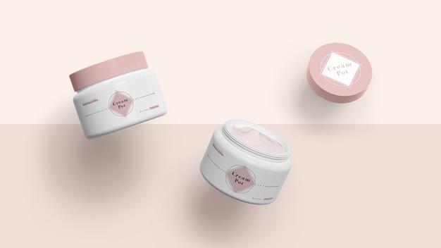 Confezione rosa di prodotti cosmetici Psd Gratuite