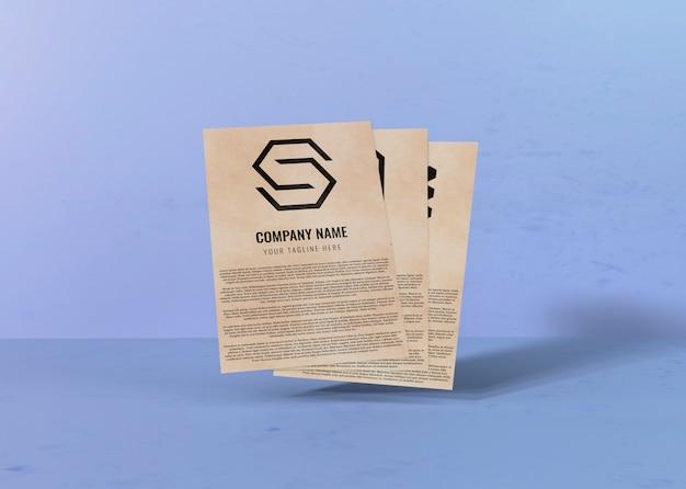 Contractmodelpapier en ruimte voor bedrijfslogo Gratis Psd