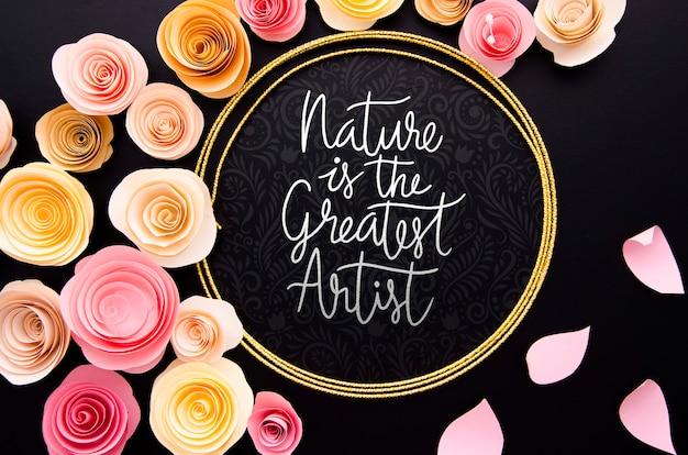 Cornice artistica di fiori con citazione positiva Psd Gratuite