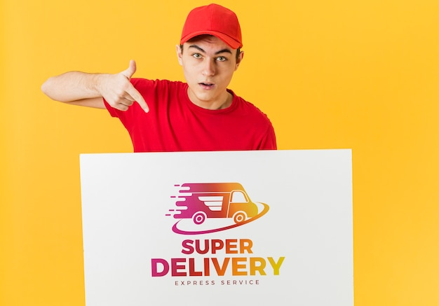 Courier bedrijf kartonnen mock-up Gratis Psd