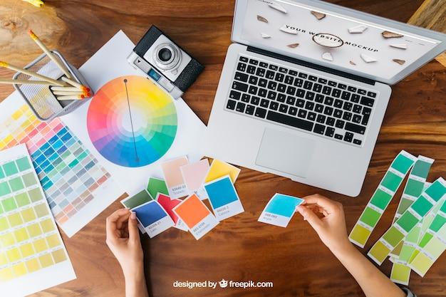Creatieve grafische ontwerper mockup Gratis Psd