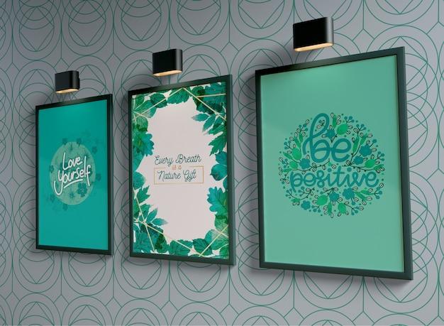 Cuadros de pintura con espacio vacío colgado en la pared PSD gratuito
