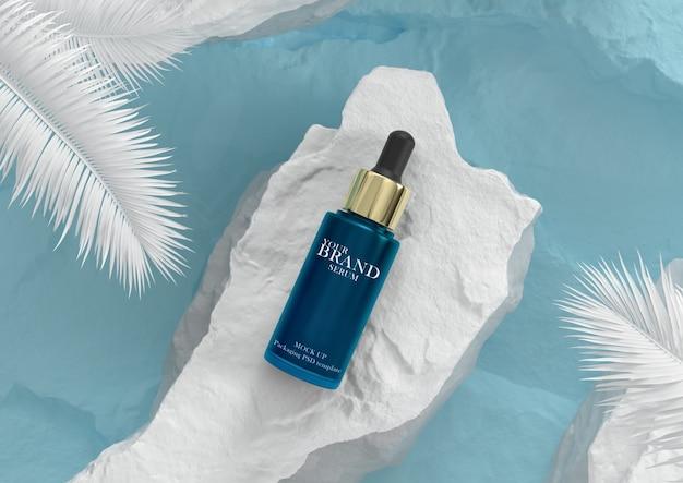 Cuidado de la piel hidratante cosmética productos premium con fondo de agua azul PSD Premium