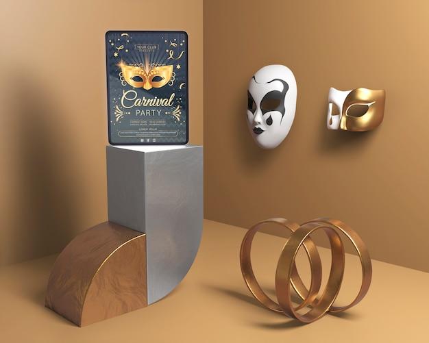 Decoración minimalista con anillos dorados y máscaras. PSD gratuito