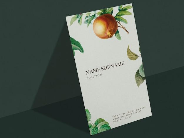 Design della carta nome floreale Psd Gratuite