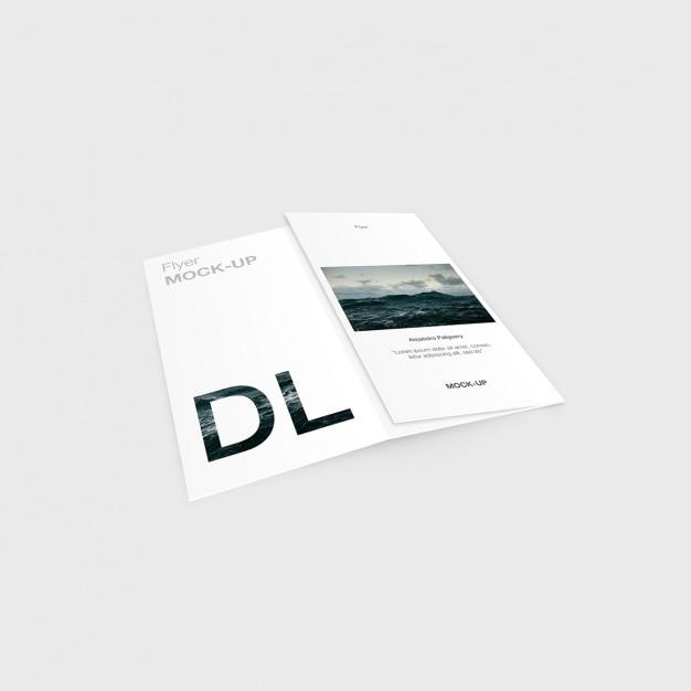 Diseño de plantilla de tríptico PSD gratuito