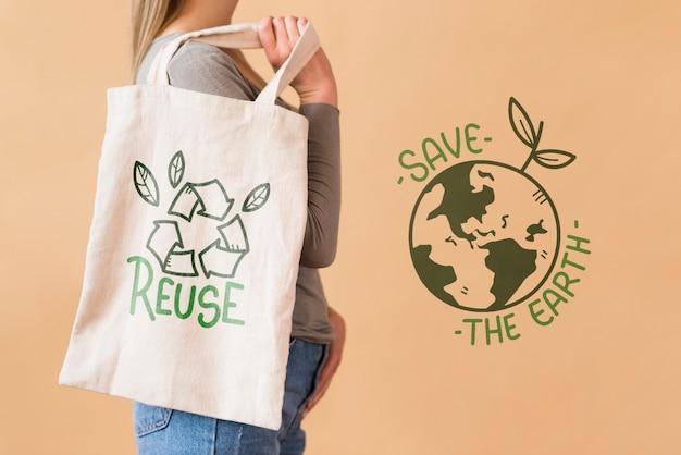 Donna con borsa riutilizzabile Psd Gratuite