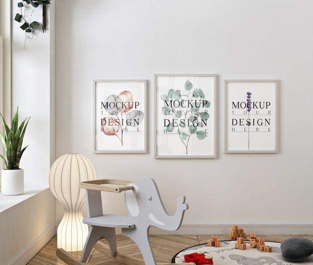 Dormitorio de bebé clásico con maqueta de marco de fotos PSD Premium