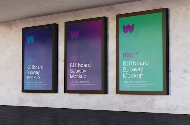 Drie billboards mockups in het metrostation Premium Psd