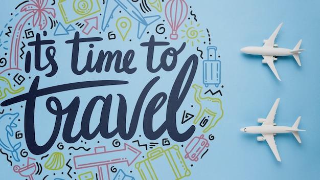 È tempo di viaggiare, lettering motivazionale sulle vacanze Psd Gratuite